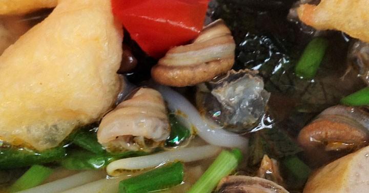 【ブン・オック】タニシのせすっぱ辛いスープ麺